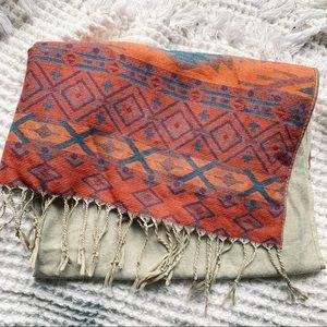 Vtg Aztec Navajo Print Scarf w Fringe